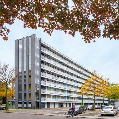 soest-portaal-galerijflat-renovatie-door-architecten