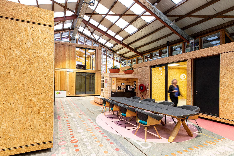 Circulaire-co-working-bedrijfsgebouw-door-architecten