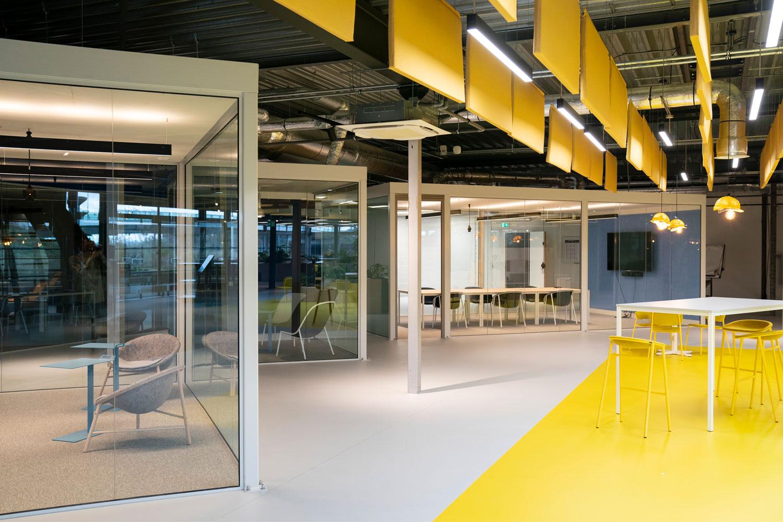 DOOR Architecten Rosmalen Interieur Kantoor Heijmans work spaces